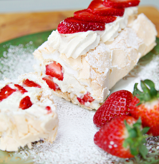 strawberry-roulade